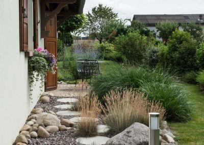 Jardins Gottri Remy MASSIF-MINERAL-400x284 Entretien des espaces verts particulier