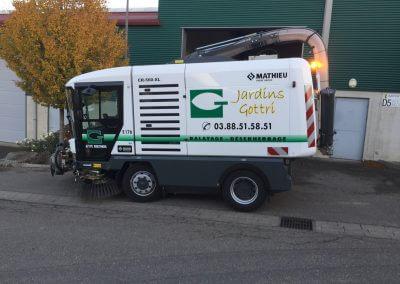 Jardins Gottri Remy RAVO-CR-560-XL-400x284 Balayage désherbage mécanique